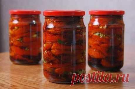 """ПОМИДОРЫ ПО-КОРЕЙСКИ """"АМБРОЗИЯ"""" НА ЗИМУ  ИНГРЕДИЕНТЫ: спелые (не перезрелые) помидоры — 2 кг, морковь — 4 штуки, болгарский перец — 5 штук, уксус 9% — 100 мл, растительное масло — 100 мл, чеснок — 5 зубчиков, молотый перец чили — 1 ст. ложка, соль — 2 ст. ложки, сахар — 100 грамм, зелень петрушки, укропа, кинзы по вкусу.  РЕЦЕПТ ПРИГОТОВЛЕНИЯ: Овощи подготавливаем,моем,чистим. Затем морковь, болгарский перец и чеснок измельчаем с помощью блендера или пропускаем через мясор..."""