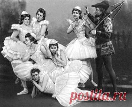 """История """"Большого балета"""" в Большом театре, а также история балетных туфелек."""