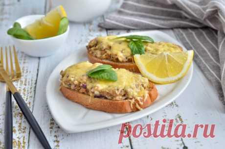 Бутерброды с сайрой и яйцом в духовке рецепт с фото пошагово и видео - 1000.menu