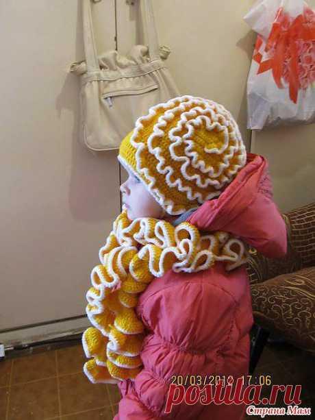Шапочка с шарфиком.