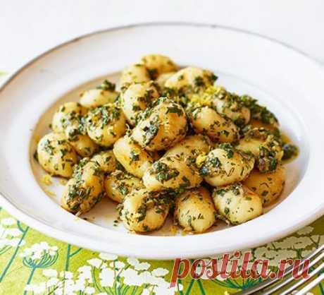 👌 Вкусный итальянский ужин за 10 минут, рецепты с фото Приготовьте ньокки с анчоусами и соусом из зелени всего за 10 минут. Если вам не нравятся анчоусы или вы хотите сделать веганское блюдо, просто не добавляйте анчоусы — без них полу...