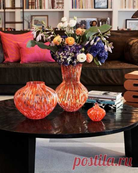Редкие предметы из коллекции Diane von Furstenberg x H&M можно будет приобрести в концепт-сторе H&M HOME в «Авиапарке» в Москве. Новый магазин распахнет свои двери для покупателей уже завтра, 22 апреля. Ждем вас 😉  #HMHOME #DianeVonFurstenbergXHM #dvfxhmhome