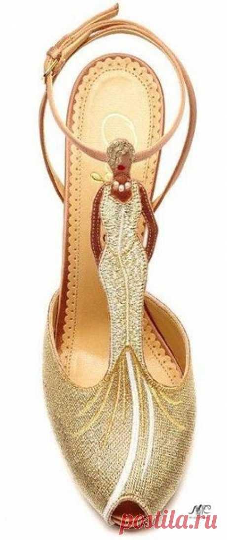 Креативные туфли от Charlotte Olympia.