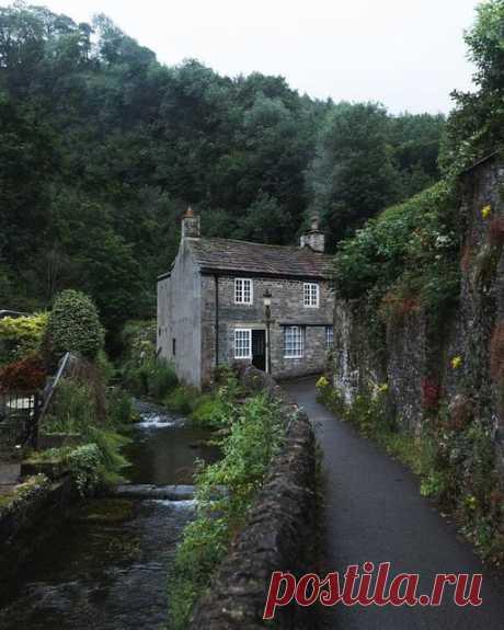 Теплое зелёное утро 🌿🌞 🔮 Каслтон, Англия, Великобритания