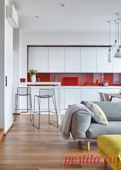 Глянцевая или матовая кухня: что лучше, плюсы и минусы матовых и глянцевых фасадов