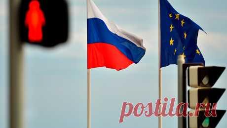 Россия расширила чёрный список в отношении представителей ЕС Россия приняла решение о расширении ответного чёрного списка в отношении представителей Европейского союза. Об этом на брифинге заявила официальный представитель российского МИД Мария Захарова.