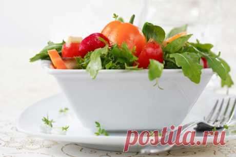 Легкие летние салаты: 5 новых рецептов на обед и ужин