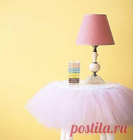 Столик в юбке для маленькой модницы / Детская комната / Модный сайт о стильной переделке одежды и интерьера