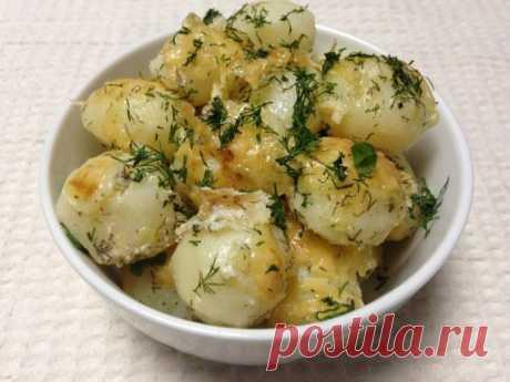 Вкуснейший картофель под сметанным соусом — лучшее блюдо - Вкусные рецепты - медиаплатформа МирТесен