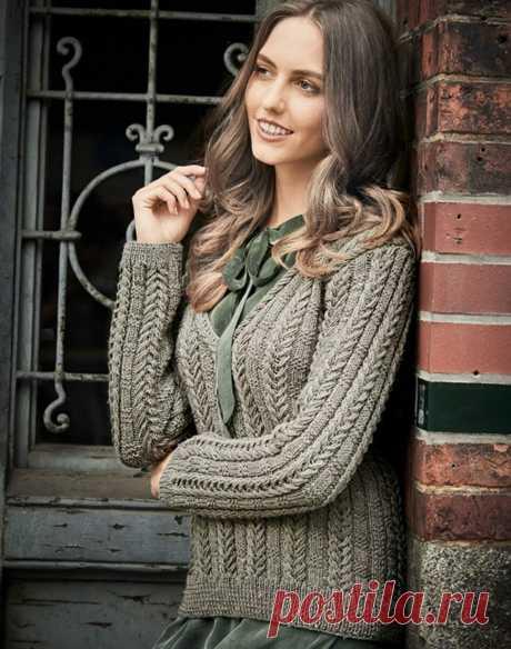 Пуловер с V-образной горловиной