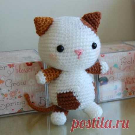 Схема вязания и описание котенка амигуруми