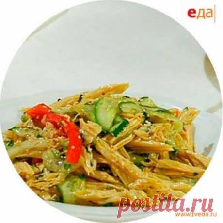 La receta de la preparación de la ensalada del espárrago de soja con las fotografías, poshagovym por la descripción y los ingredientes