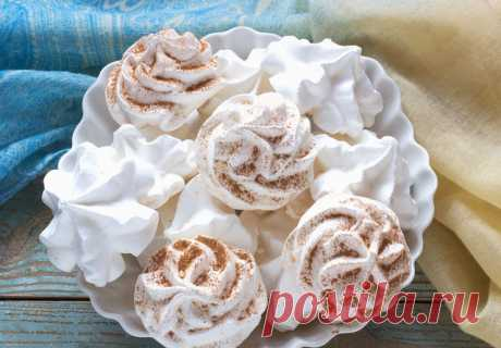 As it is correct to cook meringue and meringues