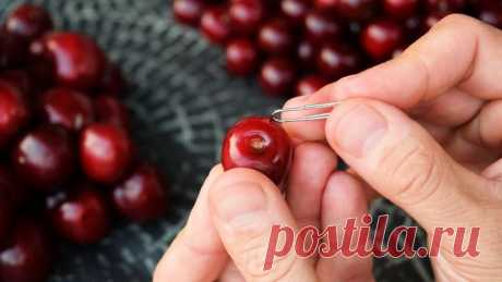 How quickly to remove stones from cherry and (almost) not to soil a hand: three easy ways