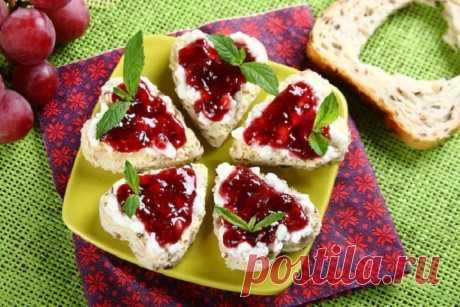 Сладкие бутерброды для детей в виде сердца – пошаговый рецепт с фото.