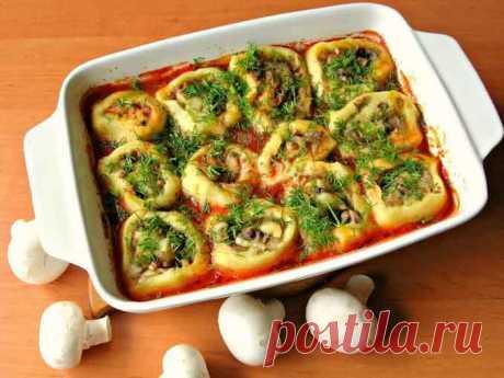 Вкуснейшее постное блюдо из самых простых ингредиентов  Рекомендую всем приготовить это постное горячее блюдо из картофеля и грибов. Готовится оно без яиц, без мяса и сыра из самых простых ингредиентов, а получается очень вкусно и сытно. Этот постный рецепт можно приготовить на обед, ужин и даже на праздничный стол! https://fito-info.ru/postnoe-bljudo.html   #рецепты