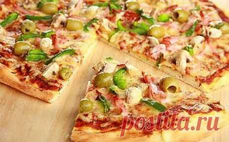 жидкое тесто для пиццы на кефире - пышное и легкое, быстро пропекается.