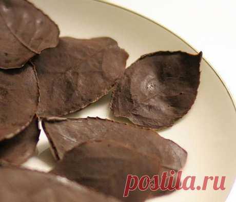 Шоколадные листочки.
