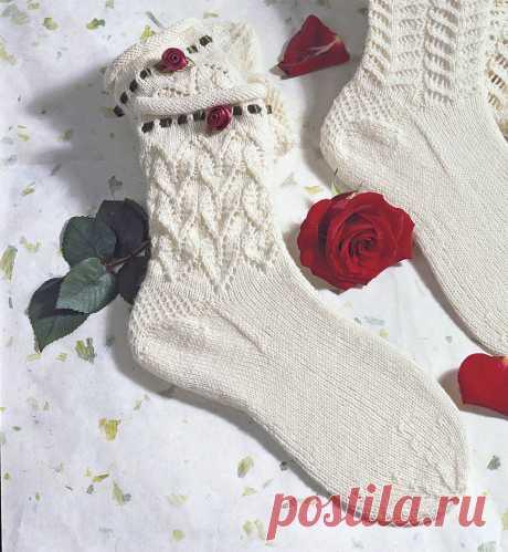 Белые носки с розочкой - схема вязания спицами. Вяжем Носки на Verena.ru