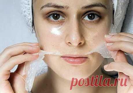 10 домашних масок, которые заменят ботокс и филлеры Не забудь сохранить себе Желатин — природный источник коллагена, который необходим для упругости кожи. Правила приготовления желатиновой маски: Используй обычный пищевой желатин.