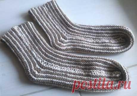 Вязание носков на двух спицах в продольную полоску