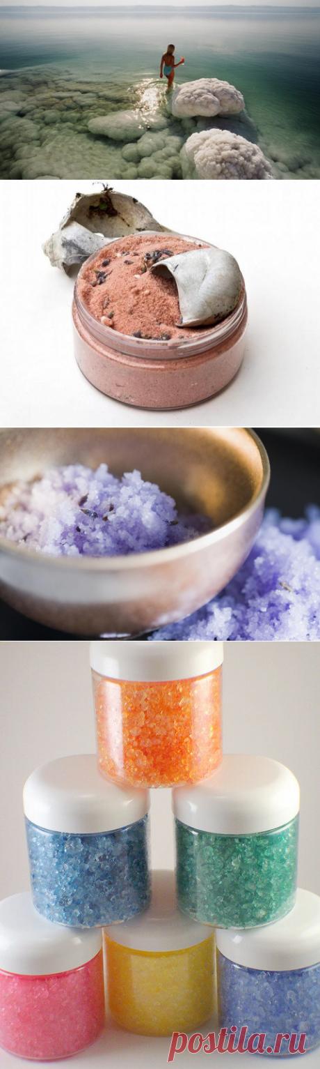 La utilidad y el daño de los baños con la adición de la sal marina