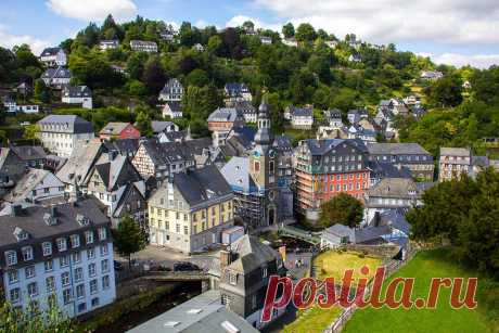 Красивый город Моншау (Monschau) в Германии