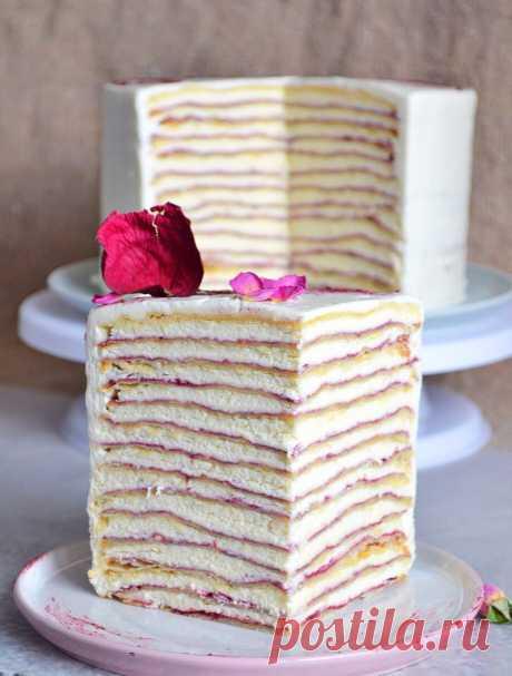 Очень сливочный и ежевичный торт