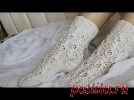 Носки спицами с пяткой бумеранг с ажурным узором