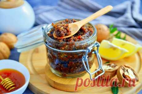 Паста Амосова для иммунитета . Смесь мед орехи курага изюм лимон чернослив и 15 похожих рецептов: видео, фото, калорийность, отзывы - 1000.menu