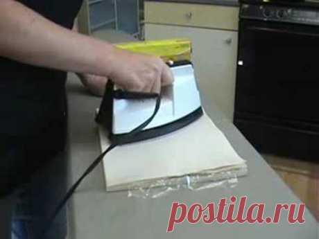 Фон с помощью салфетки и пищевойпленки
