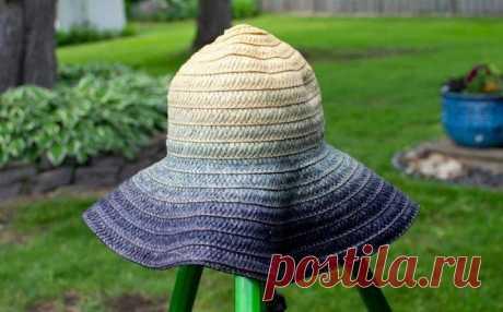 Взяла простую соломенную шляпку и сделала ее чуть интереснее: идею подал муж