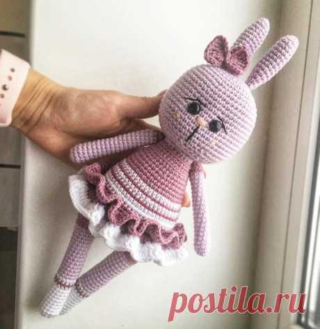Вязаная игрушка зайка амигуруми | Hi Amigurumi