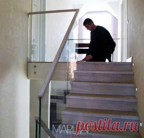 Лестницы, ограждения, перила из стекла, дерева, металла Маршаг – Ограждения из стекла и облицовка дубом