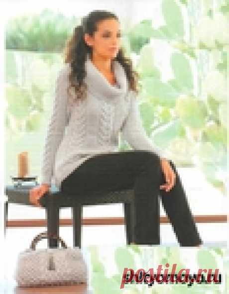 Серый пуловер, связанный спицами