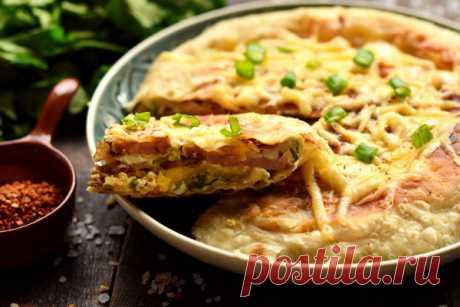Лепёшка из лаваша с начинкой на сковороде – рецепт с фото
