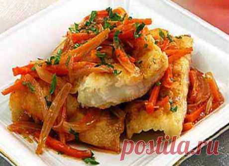 Минтай под маринадом из моркови и лука в духовке, мультиварке, калорийность Минтай под маринадом из моркови и лука: простые рецепты приготовления в духовке, мультиварке, с томатной пастой. Калорийность готовых рыбных блюд.