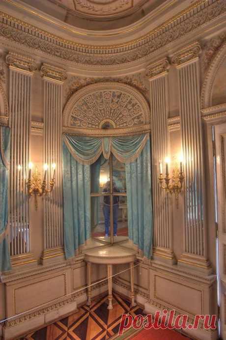 GATCHINA PALACE, Saint Petersburg, Russia ~ corner interior of Birch House at Gatchina Palace | Pinterest • el catálogo Mundial de las ideas