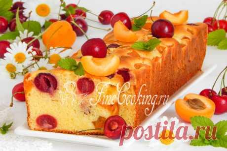 Mannik caseoso con la cereza y los albaricoques - la receta de la foto