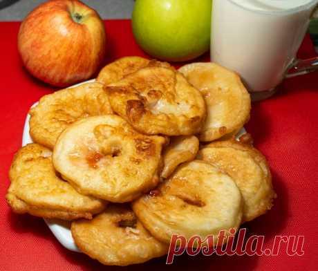 Вкуснятина, от которой не оторваться! Оладьи с яблочной начинкой - легко готовятся на скорую руку. | Найди Свой Рецепт | Яндекс Дзен