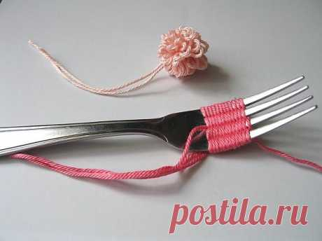Помпон на вилке / Вязание / Модный сайт о стильной переделке одежды и интерьера