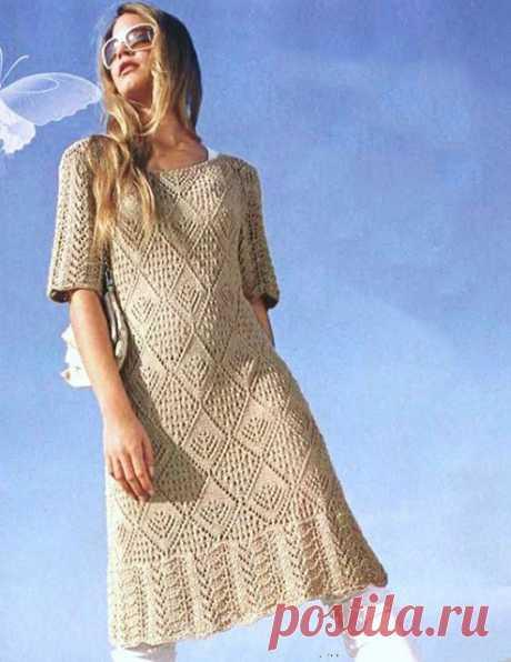 Платье «Аванти» с ажурными ромбами и винтажной каймой спицами – схемы вязания с описанием