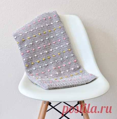 Вязаное детское одеяло Candy Dots