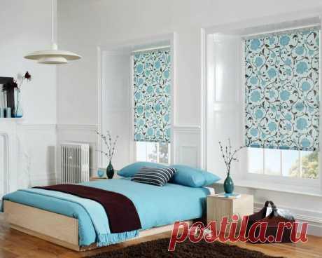 10 решений для интерьера с бирюзовыми рулонными шторами