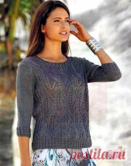 Пуловер из шелковой пряжи ажурным узором