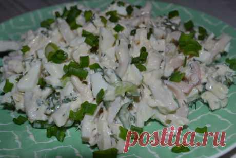 Салат с кальмарами очень вкусный! Как сварить нежные и сочные кальмары? | Все будет вкусно! | Яндекс Дзен