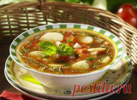 Овощной суп Овощной суп      Простой рецепт на овощной суп. Необычайно легкий, но, в то же время, очень сытный и богат огромным количеством витаминов. Ингредиенты: 4 помидора 3 молодые моркови 1 молодой сельдерей…