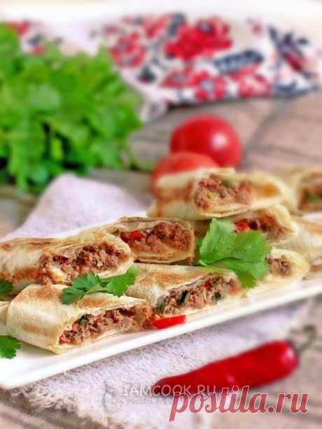 Рулетики из лаваша с мясом и овощами — рецепт с фото пошагово