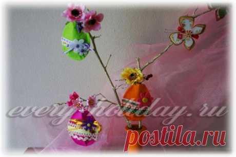 Easter eggs from felt