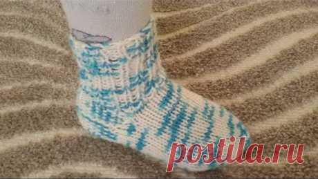 Носки спицами. Носки для ребенка 2-3 года. Носки спицами простой способ.